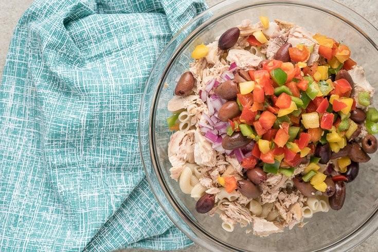 Tuna Pasta Salad with Kalamata Olives and Cherry Tomatoes 2 SAFIMEX