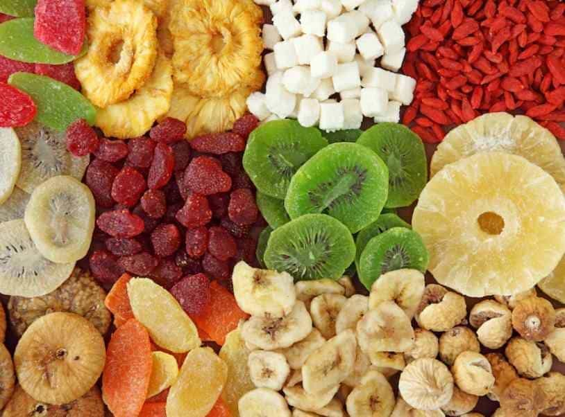 12 Healthiest Dried Fruits